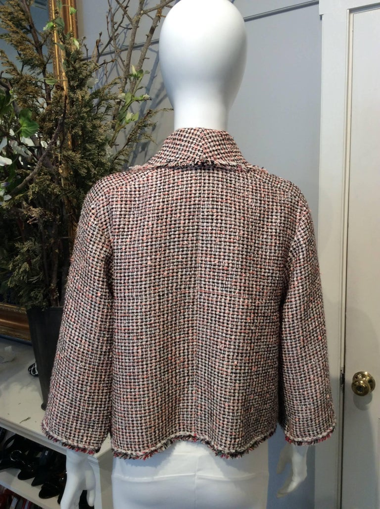 Women's Chanel Pink, White, Black Tweed Fringe A-Line Jacket w/ Gold Buttons Sz34/Us2 For Sale
