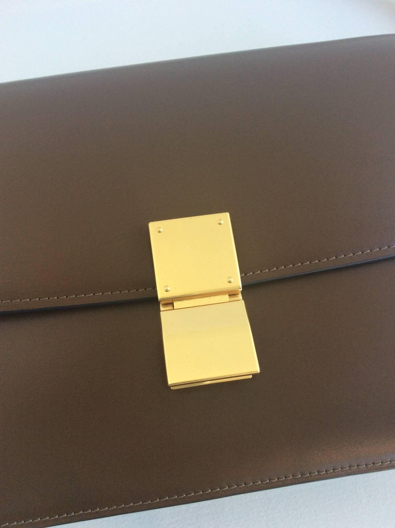 Celine Camel Calfskin Box bag with Gold Hardware and Removable Strap For  Sale 1 b12e88c186a83