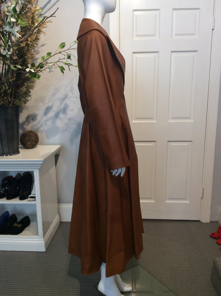 Brown The Row Long Caramel Leather Coat Size 6 For Sale