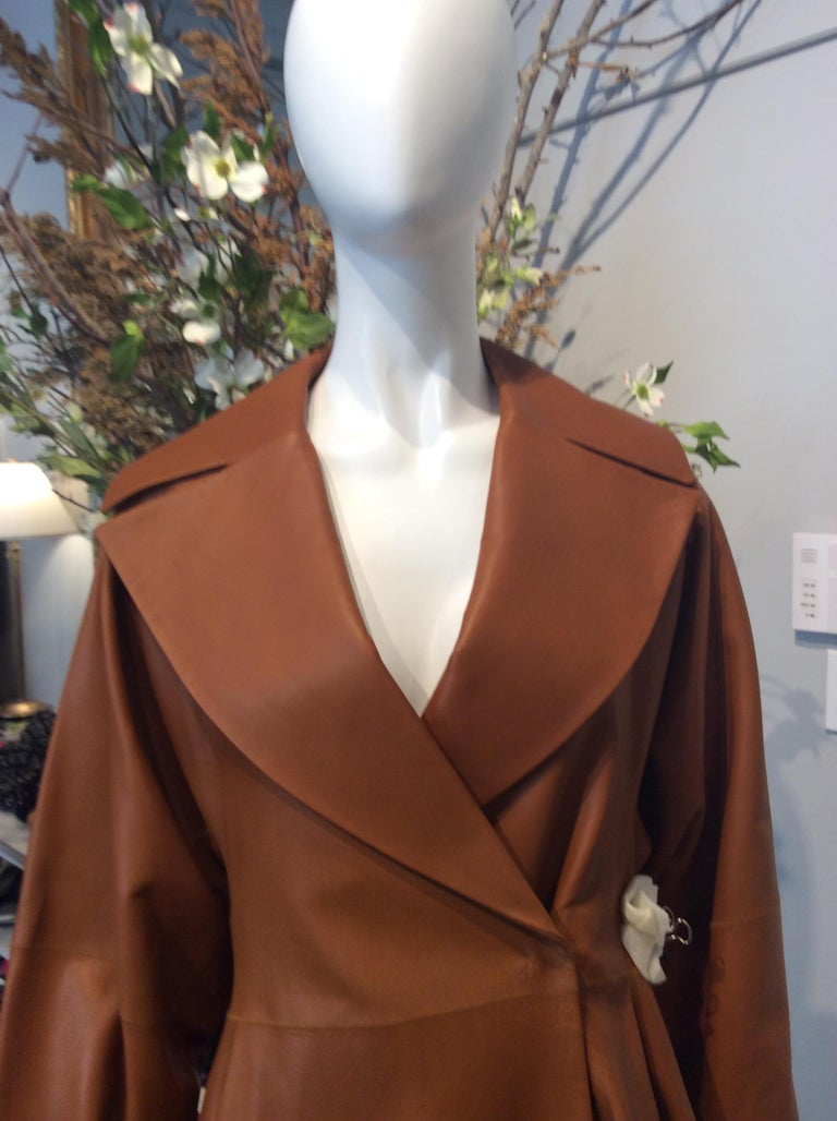 The Row Long Caramel Leather Coat Size 6 In Excellent Condition For Sale In San Francisco, CA