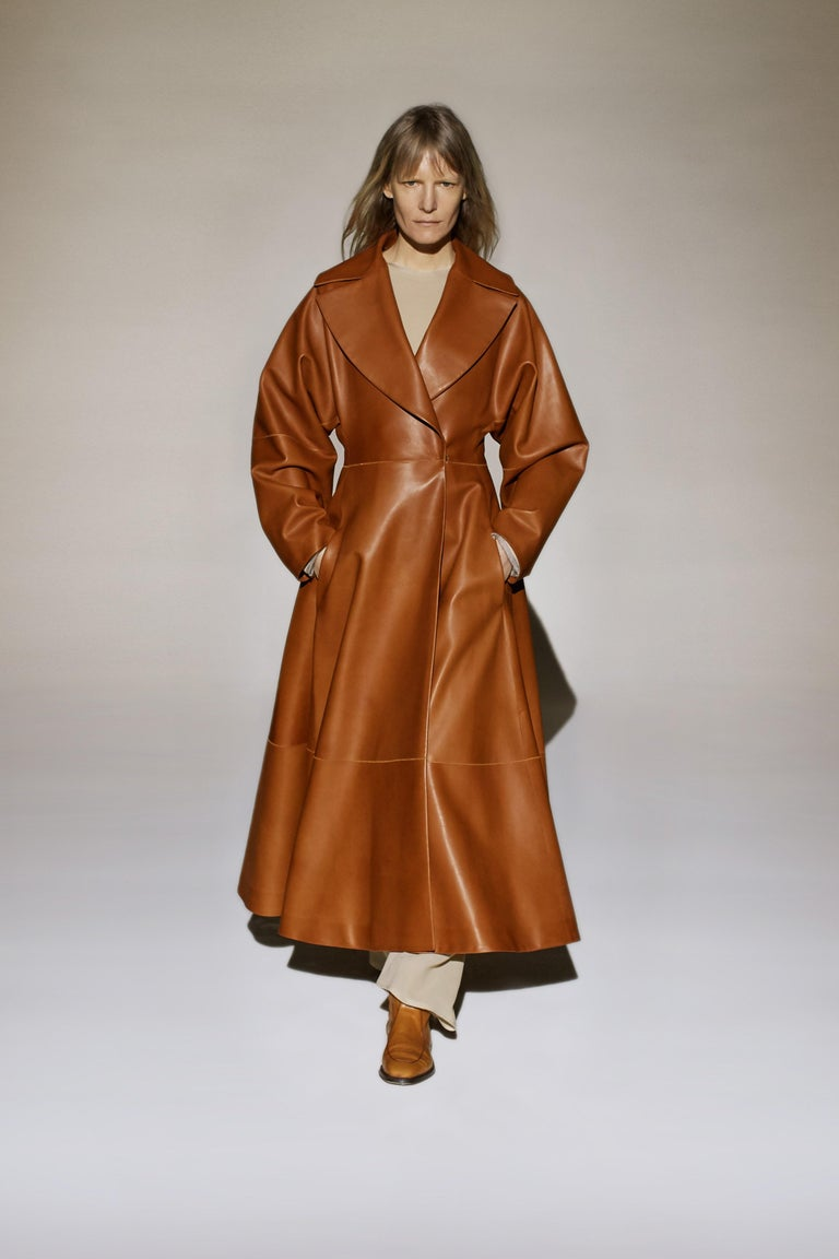 The Row Long Caramel Leather Coat Size 6 For Sale 2