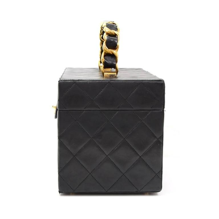 Vintage Chanel Vanity Black Quilted Leather Large Cosmetic Hand Bag 4