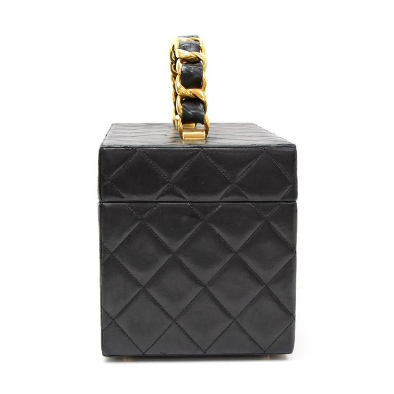 Vintage Chanel Vanity Black Quilted Leather Large Cosmetic Hand Bag 3