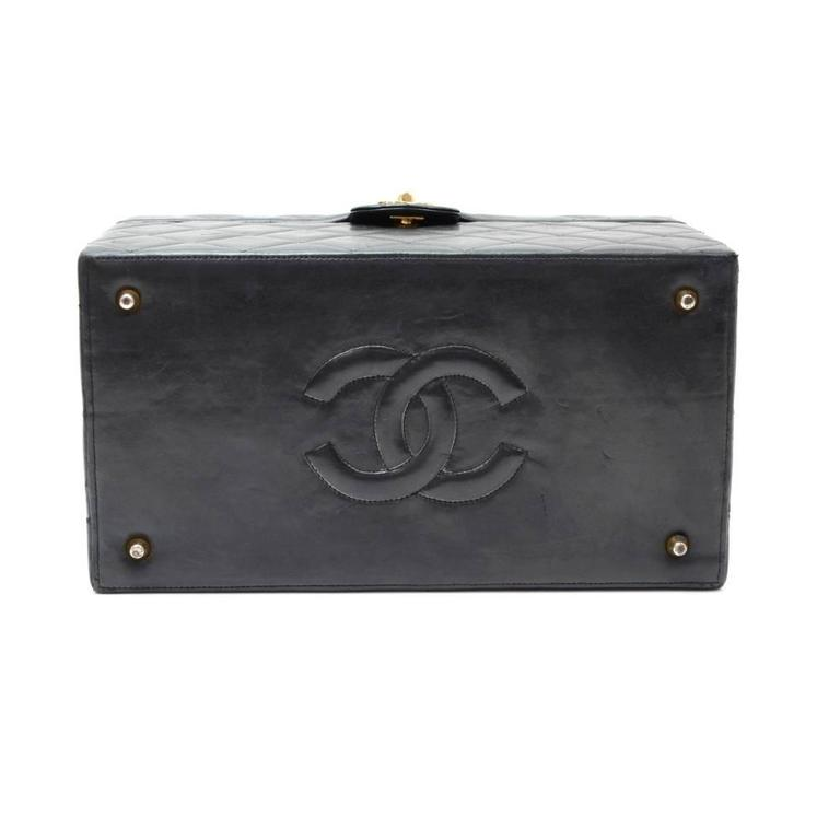Vintage Chanel Vanity Black Quilted Leather Large Cosmetic Hand Bag 5