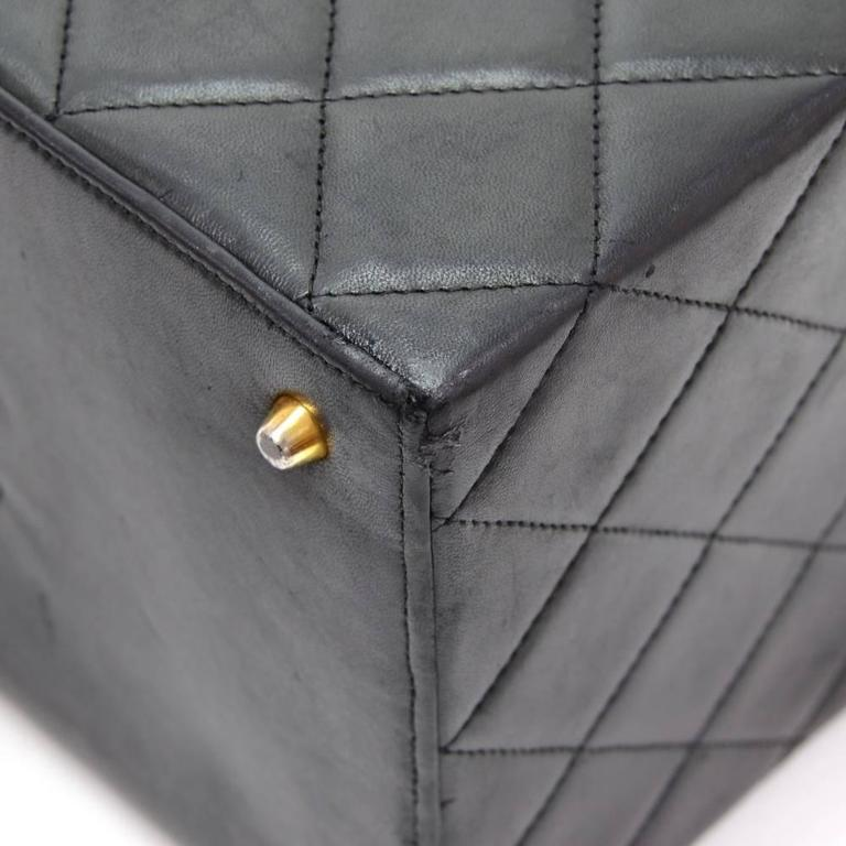 Vintage Chanel Vanity Black Quilted Leather Large Cosmetic Hand Bag 6