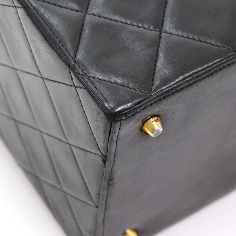 Vintage Chanel Vanity Black Quilted Leather Large Cosmetic Hand Bag 7