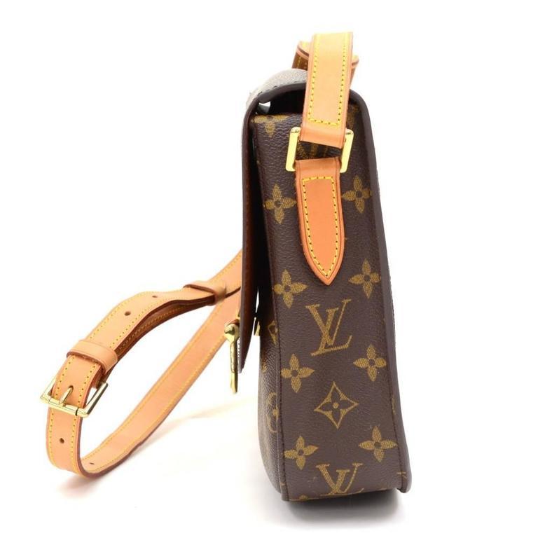 Louis Vuitton Saint Cloud Monogram Canvas Shoulder Bag In Excellent Condition For Sale In Fukuoka, JP