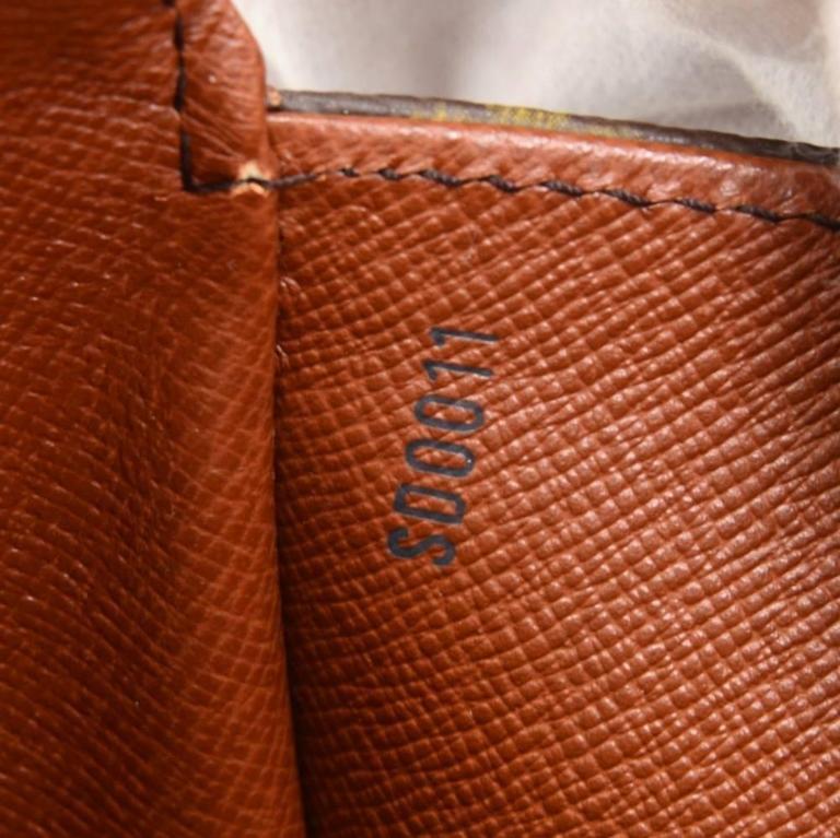 Louis Vuitton Saint Cloud Monogram Canvas Shoulder Bag For Sale 4