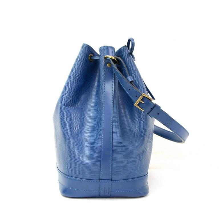 Louis Vuitton Noe Large Blue Epi Leather Shoulder Bag 5
