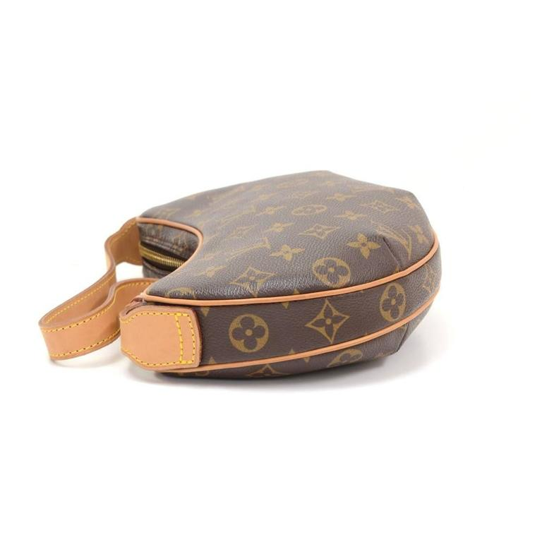 Louis Vuitton Pochette Croissant Monogram Canvas Shoulder Handbag In Excellent Condition For Sale In Fukuoka, JP