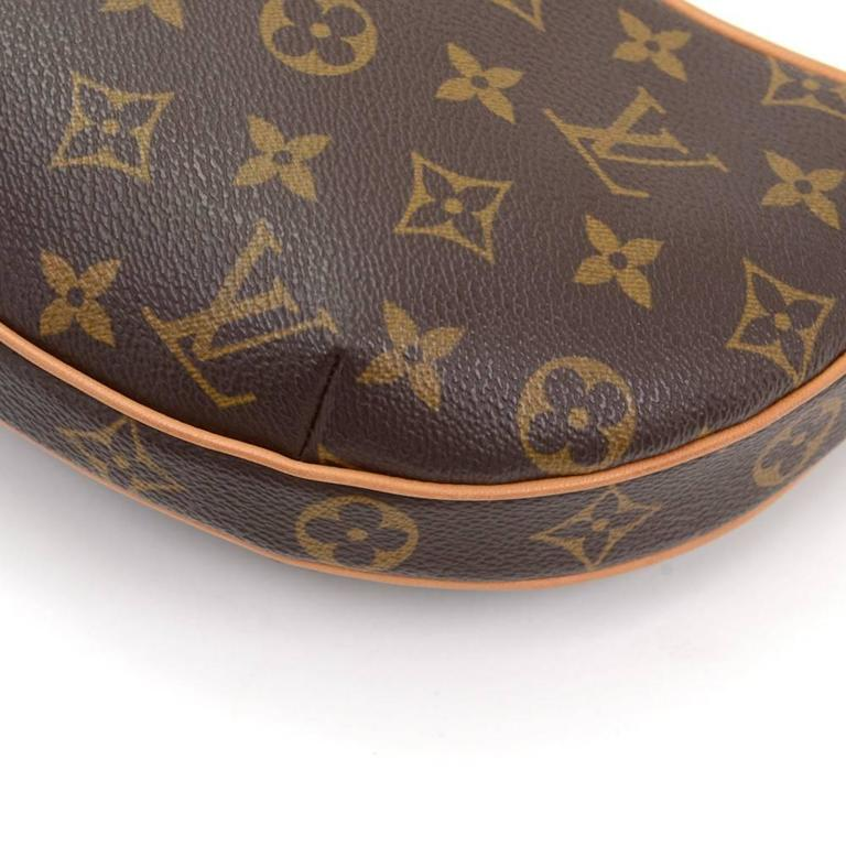 Louis Vuitton Pochette Croissant Monogram Canvas Shoulder Handbag For Sale 2