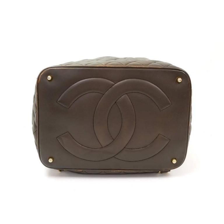 Women's Vintage Chanel Dark Brown Leather Large Bucket Backpack For Sale