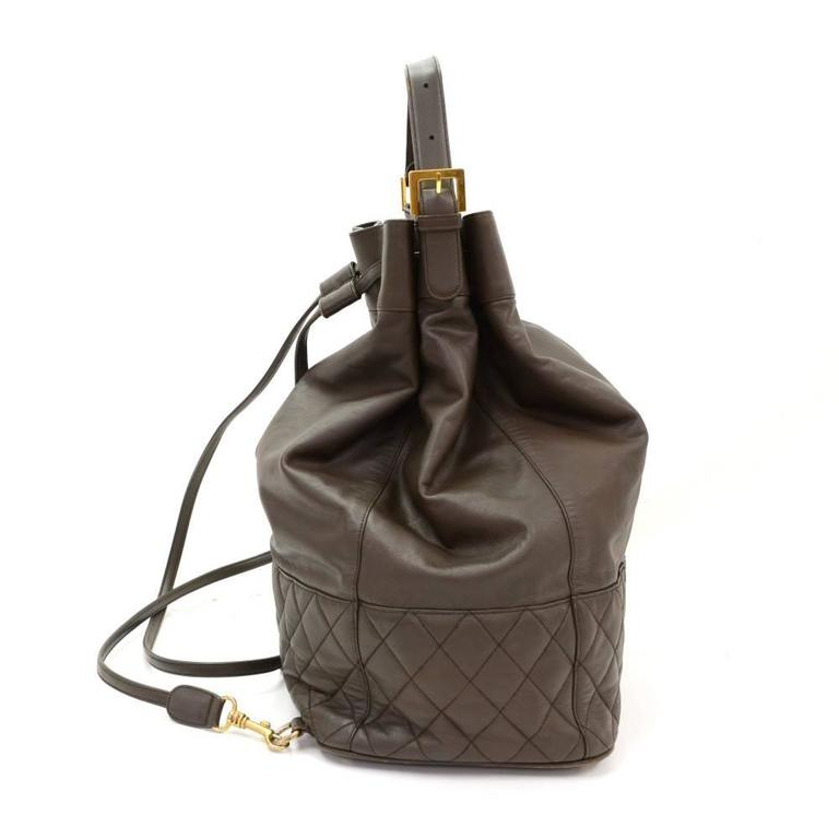 Vintage Chanel Dark Brown Leather Large Bucket Backpack In Good Condition For Sale In Fukuoka, Kyushu
