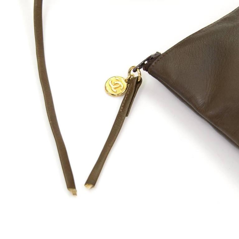 Vintage Chanel Dark Brown Leather Large Bucket Backpack For Sale 3