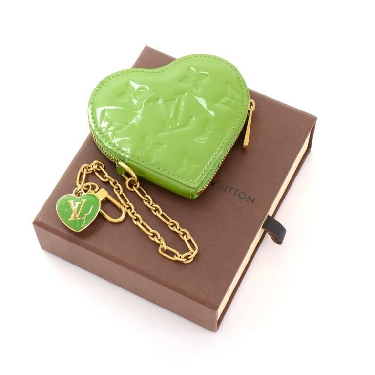 Louis Vuitton Porte Monnaies Cruer Green Pepermint Vernis Heart Shaped Coin Case 2
