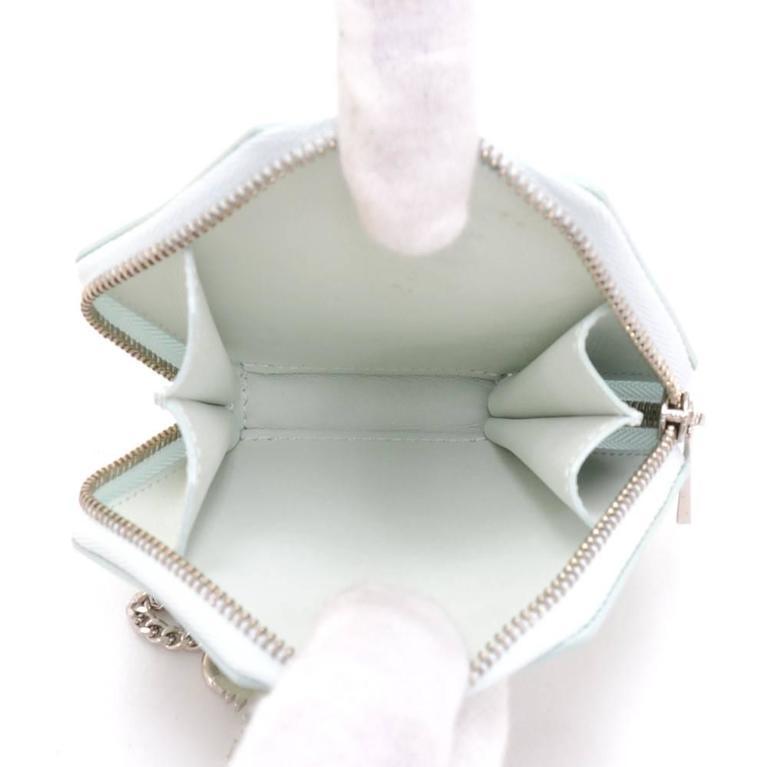 Louis Vuitton Porte Monet Flocon Light Blue Vernis Leather Coin Case For Sale 2