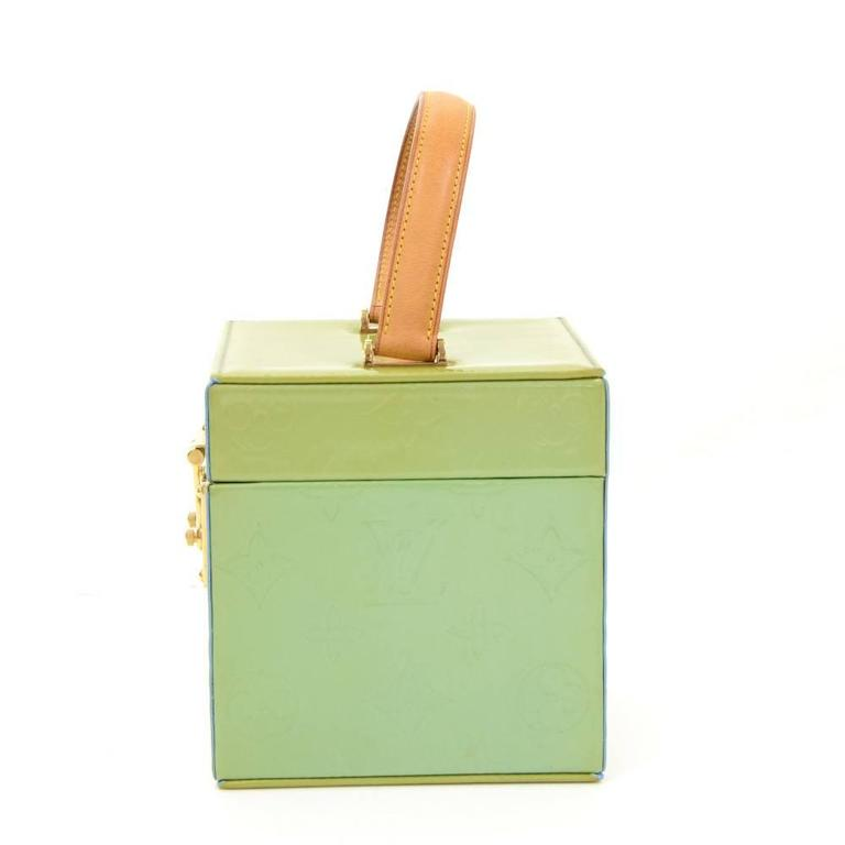 Louis Vuitton Bleeker Green Vernis Leather Cosmetic Case HandBag In Good Condition For Sale In Fukuoka, Kyushu