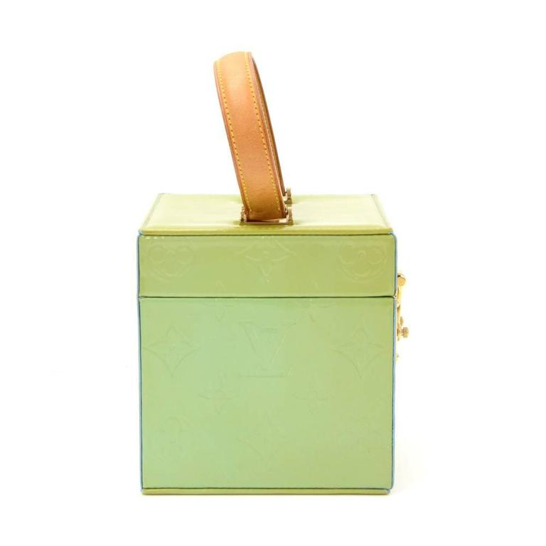 Women's Louis Vuitton Bleeker Green Vernis Leather Cosmetic Case HandBag For Sale