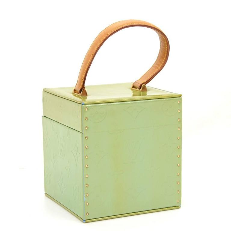 Beige Louis Vuitton Bleeker Green Vernis Leather Cosmetic Case HandBag For Sale