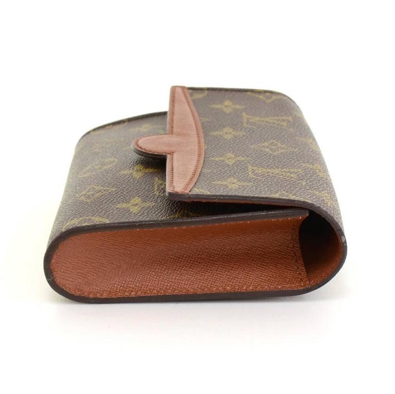 Women's Louis Vuitton Pochette Arche Monogram Canvas Clutch Bag For Sale