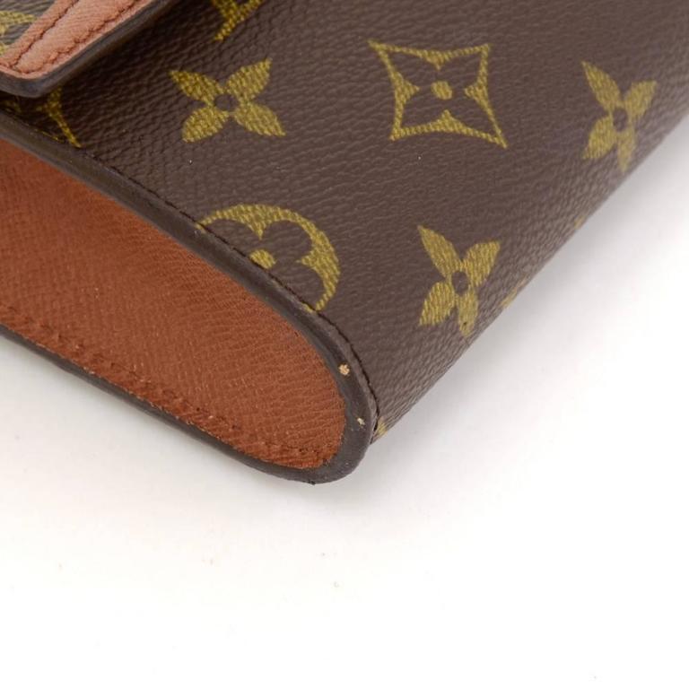 Louis Vuitton Pochette Arche Monogram Canvas Clutch Bag For Sale 2
