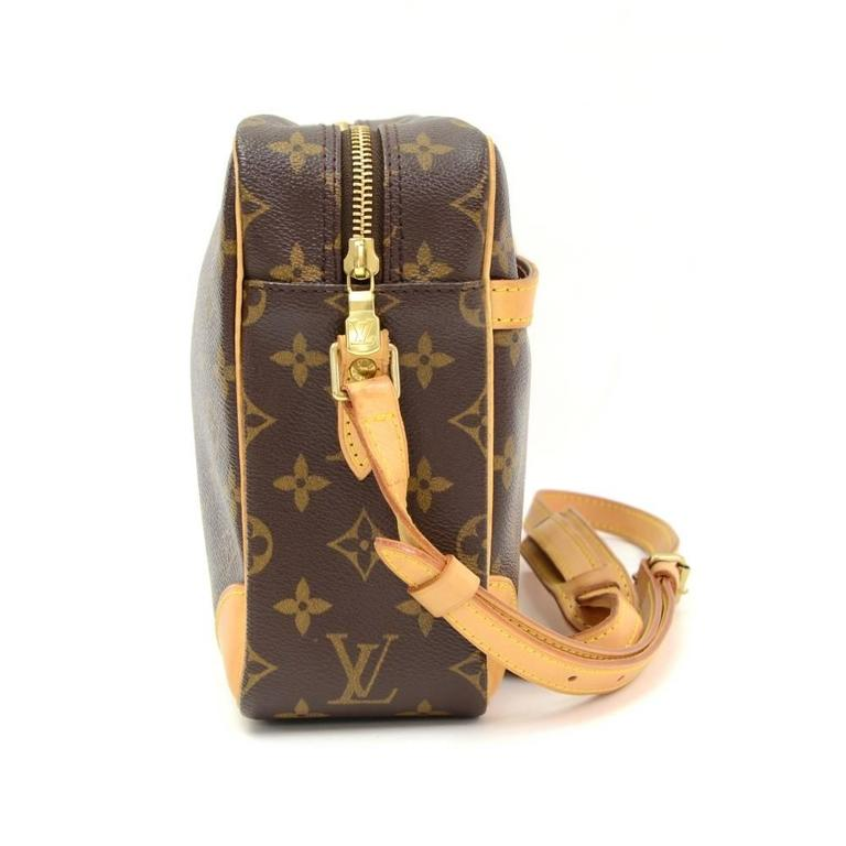 Louis Vuitton Trocadero 27 Monogram Canvas Shoulder Bag 5