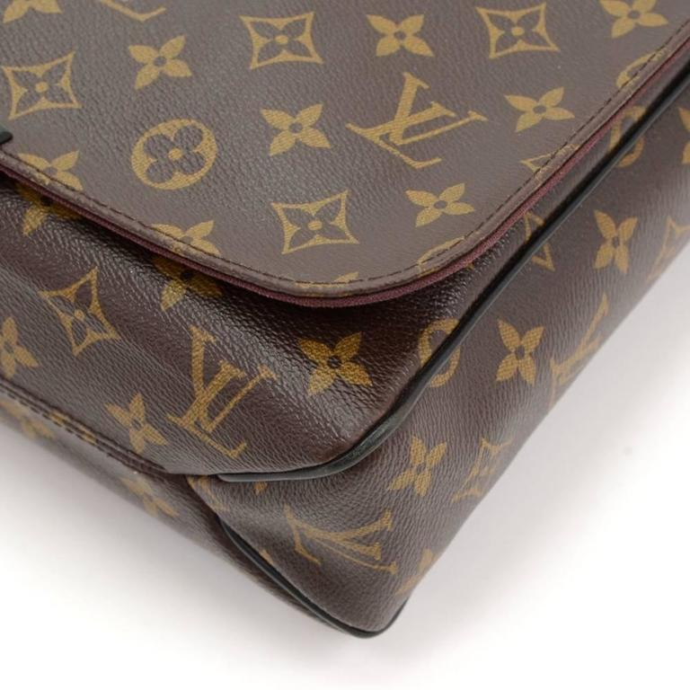 Louis Vuitton District MM Monogram Macassar Canvas Large Messenger Bag For Sale 3