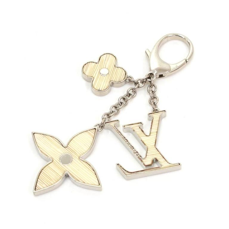 Beige Louis Vuitton Fleur d'Epi White x Silver Tone Key Chain / Bag Charm For Sale