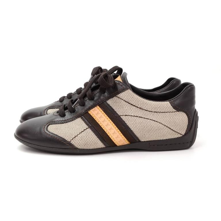 Louis Vuitton Dark Brown Leather x Canvas Sneakers Made in Italy Size 341/2 In Excellent Condition For Sale In Fukuoka, Kyushu