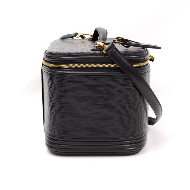 Vintage Louis Vuitton Nice Beauty Black Epi Leather Travel Case + Strap 5