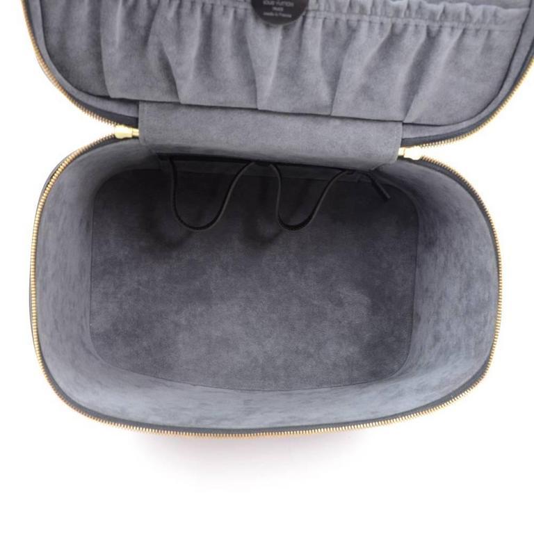 Vintage Louis Vuitton Nice Beauty Black Epi Leather Travel Case + Strap 10
