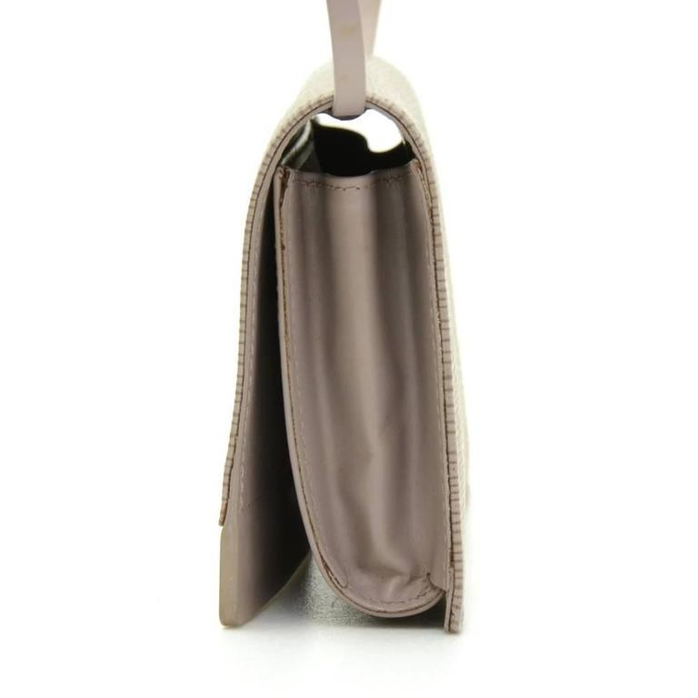 Women's Louis Vuitton Honfleur Lilac Epi Leather Shoulder Clutch Wallet For Sale