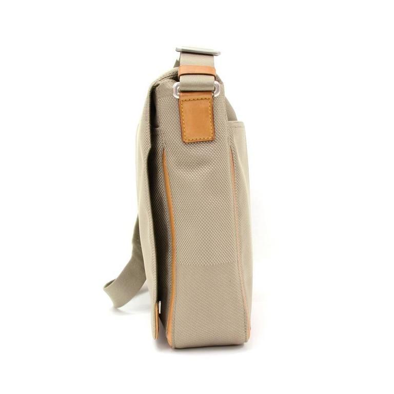 Women's Louis Vuitton Messager Gray Damier Geant Canvas Laptop Bag For Sale