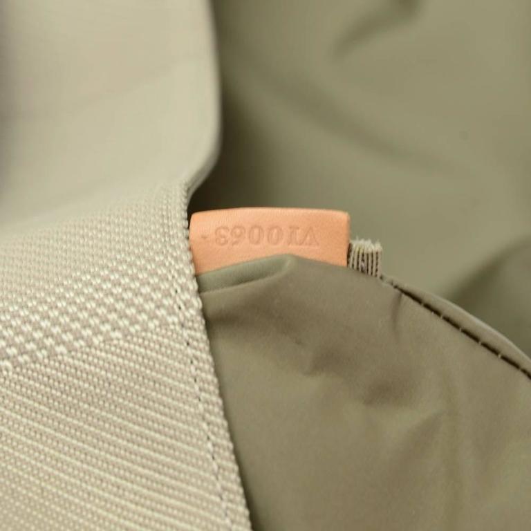 Louis Vuitton Messager Gray Damier Geant Canvas Laptop Bag For Sale 4