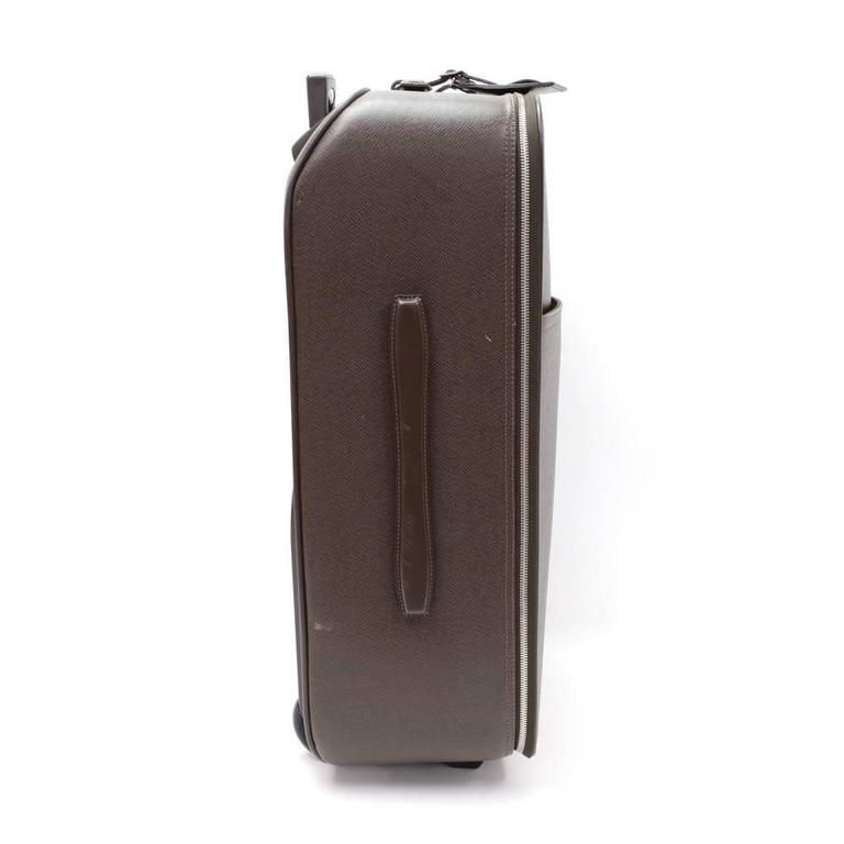 Women's or Men's Louis Vuitton Pegase 60 Brown Taiga Leather Travel Rolling Luggage For Sale