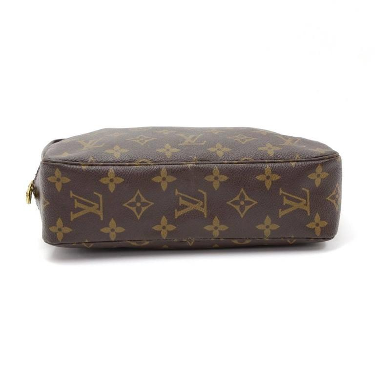 Vintage Louis Vuitton Trousse Toilette 23 Monogram Canvas Cosmetic Pouch In Good Condition For Sale In Fukuoka, Kyushu