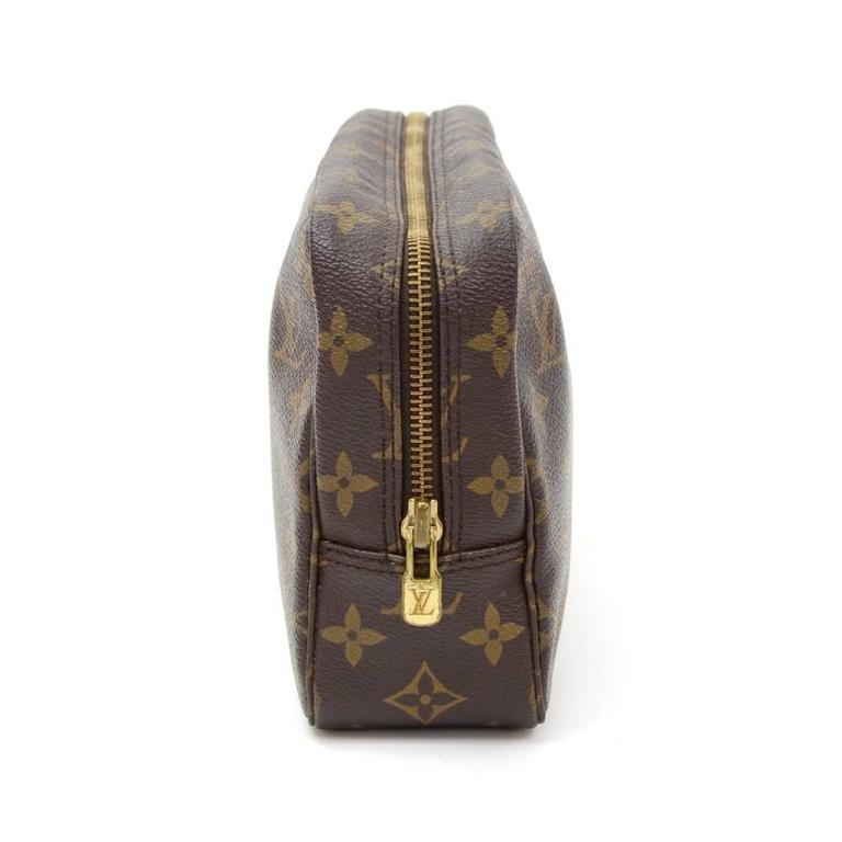 Women's Vintage Louis Vuitton Trousse Toilette 23 Monogram Canvas Cosmetic Pouch For Sale