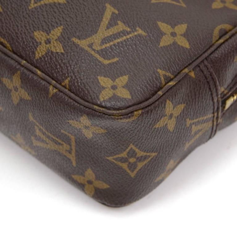 Vintage Louis Vuitton Trousse Toilette 23 Monogram Canvas Cosmetic Pouch For Sale 2