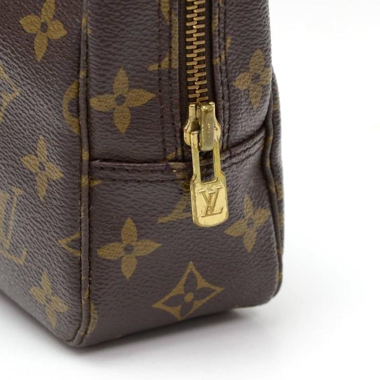 Vintage Louis Vuitton Trousse Toilette 23 Monogram Canvas Cosmetic Pouch For Sale 3