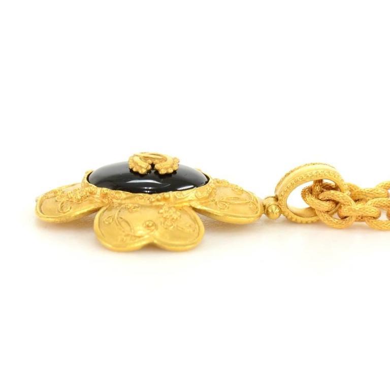 Women's Chanel CC Gold Tone Flower Motif Pendant Necklace For Sale