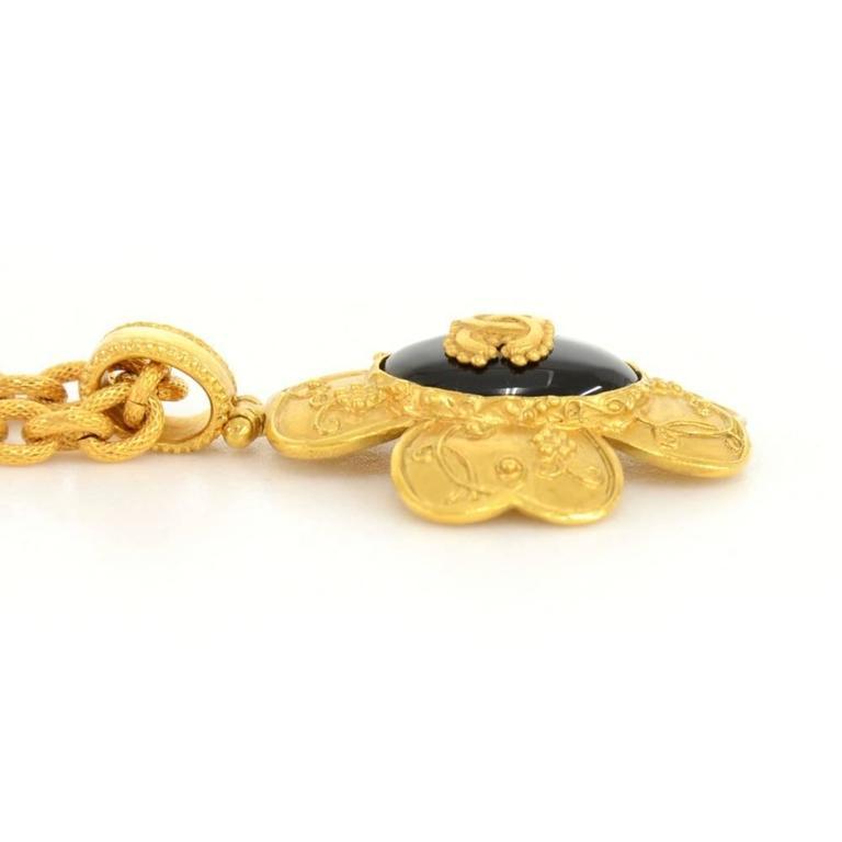 Chanel CC Gold Tone Flower Motif Pendant Necklace For Sale 1