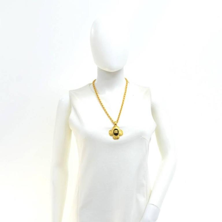 Chanel CC Gold Tone Flower Motif Pendant Necklace For Sale 6