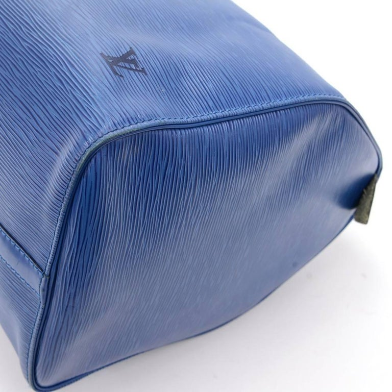 Vintage Louis Vuitton Keepall 45 Blue Epi Leather Duffle Travel Bag  For Sale 2