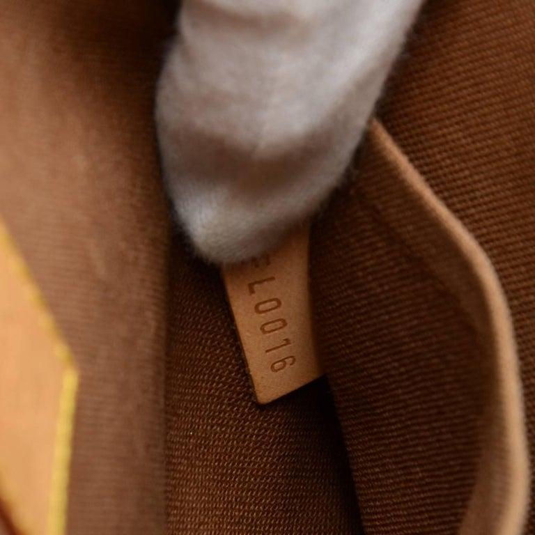 Louis Vuitton Popincourt Haut Monogram Canvas Shoulder Hand Bag  For Sale 3