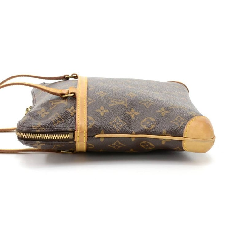 Louis Vuitton Coussin GM Monogram Canvas Shoulder Hand Bag  In Good Condition For Sale In Fukuoka, Kyushu