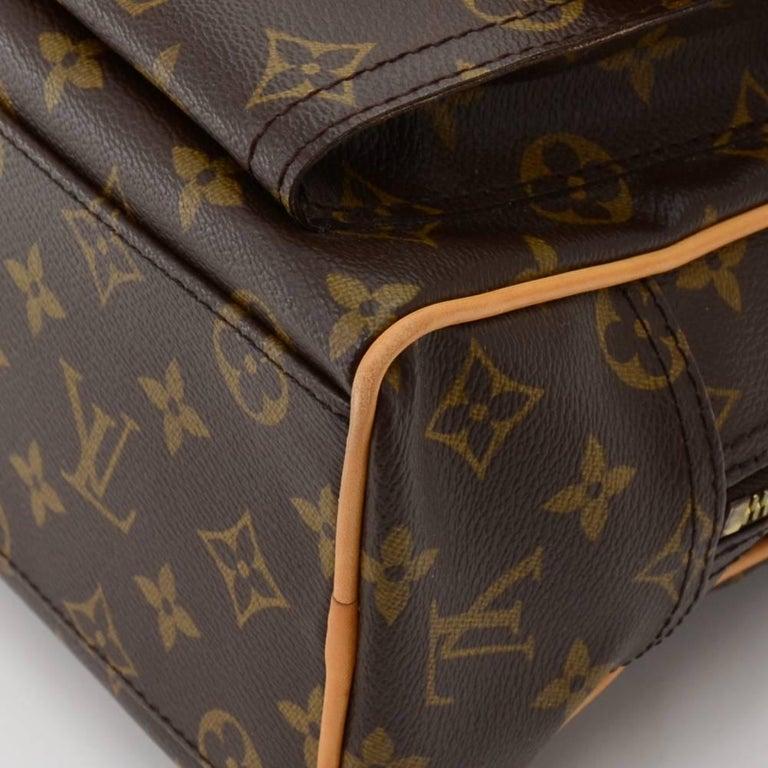 Louis Vuitton Manhattan PM Monogram Canvas Hand Bag For Sale 2