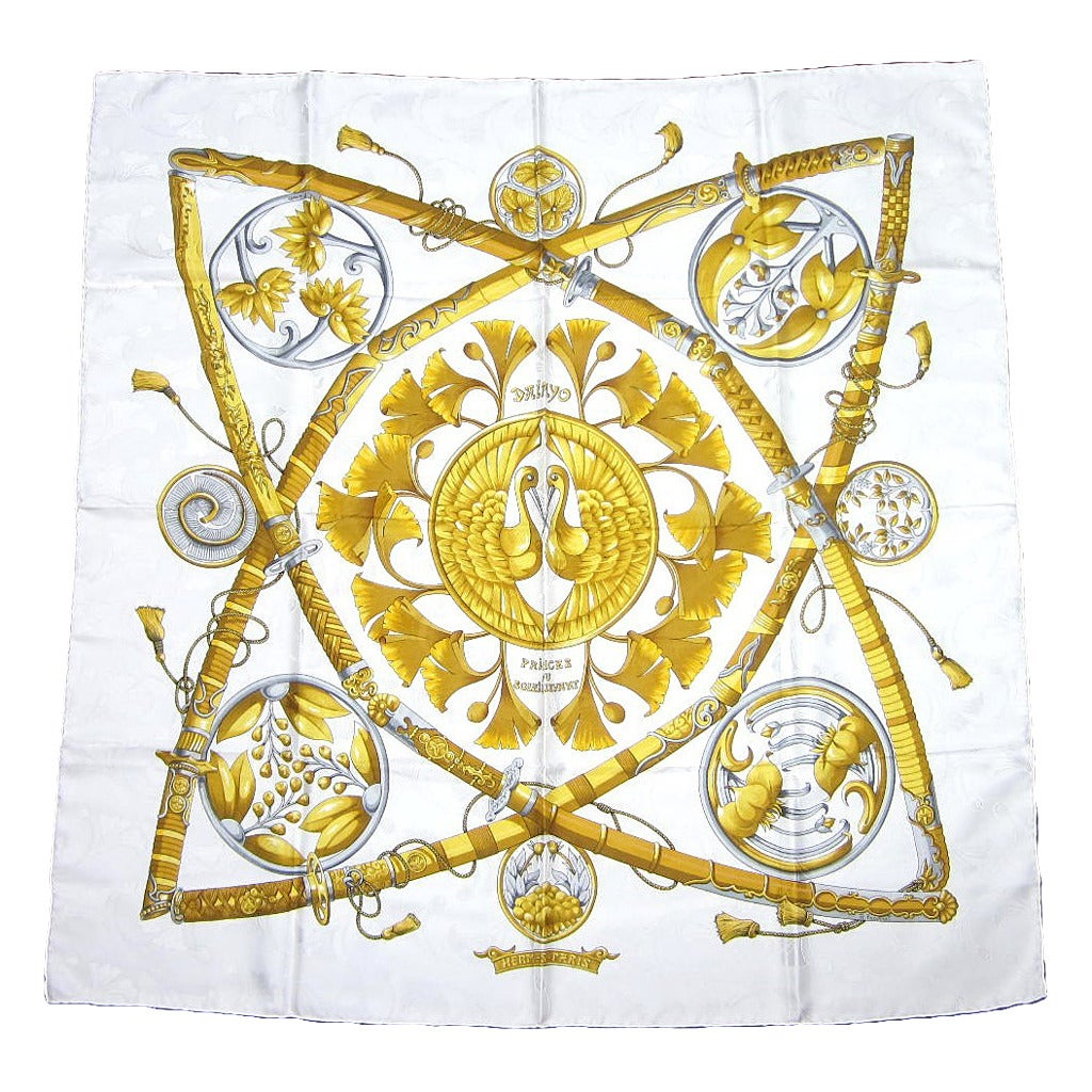 Hermes silk scarf Daimyo princes du soleil levant Never worn