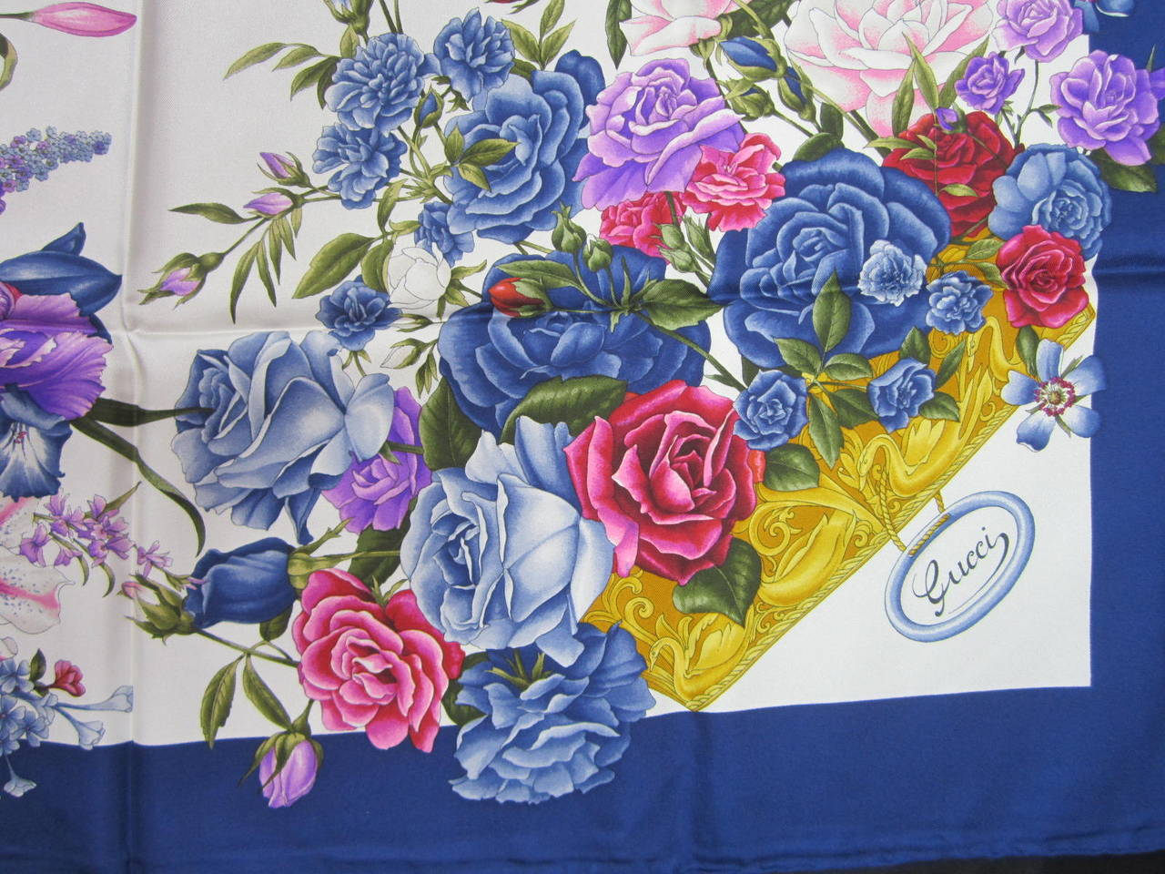 "Gucci Blue Silk Scarf  ""Flora"" Burst of flowers Never worn 3"