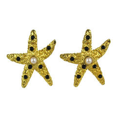 YOSCA Gripoix Pearl Starfish Earrings 1990s Gold tone New Old Stock