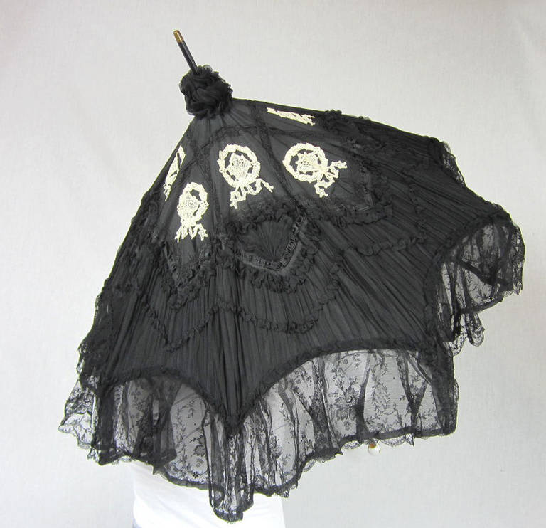 Early Silk & Lace Heavily detailed parasol circa 1900's Perfect 4
